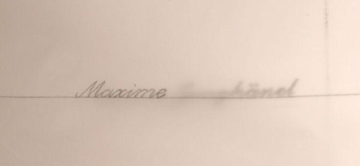 Der Name wird auf Pauspapier geschrieben. Adler Einkopfmaschine mit Lochkarte - 1000-stiche