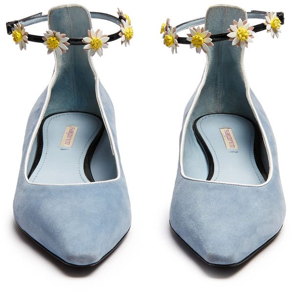 Fabrizio Viti Flat N Fab daisy-appliqué flats ($855) ❤ liked on Polyvore featuring shoes, flats, floral flats, floral print flats, pointy-toe flats, flat shoes and flat pointy shoes