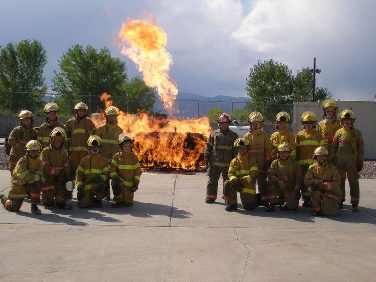 Average Firefighter Salary - How Much Do Firefighters Make  #firefighting #salary http://gazettereview.com/2017/02/average-firefighter-salary-income-earnings/