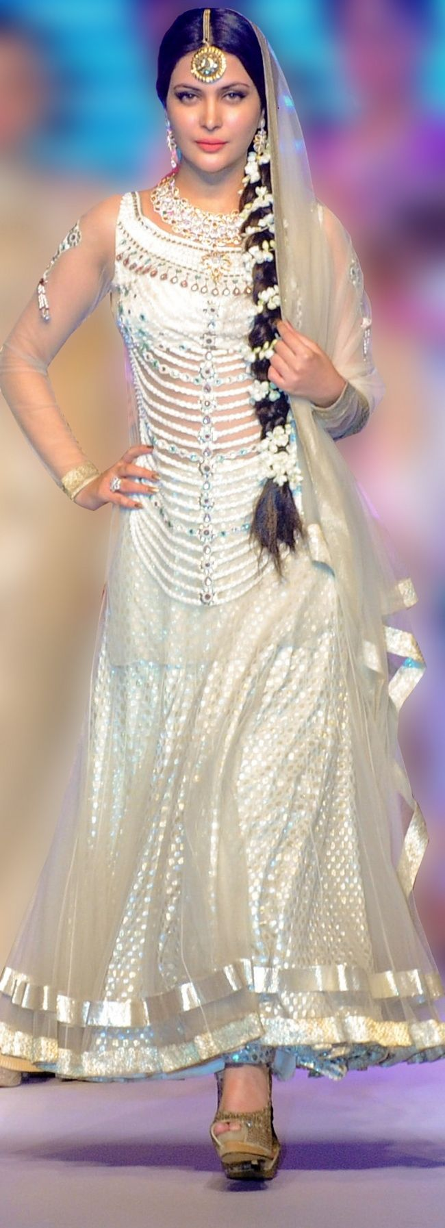 Ankita Shorey wore a long flower braid and a white beaded anarkali at the Indian International Jewellery Week 2014. #Style #Bollywood #Fashion #Beauty #IIJW