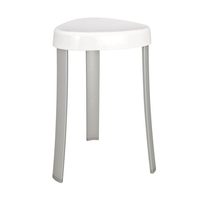Der moderne Badhocker CORRENTE mit dreieckiger, weißer Sitzfläche ist nicht nur platzsparend, sondern auch ein außergewöhnlicher Hingucker. Die Kombination aus Aluminium und Kunststoff macht ihn 100% rostfrei und robust. Der Hocker ist TÜV/GS geprüft.