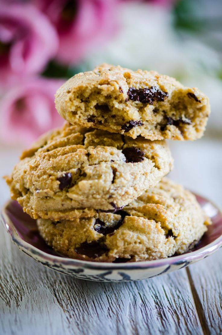 Chunky Chocolate Chip Cookies | Eighty 20 Nutrition