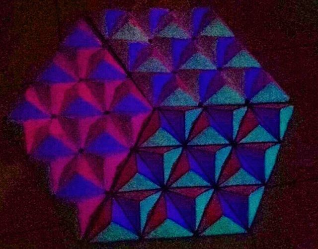 @malicescraftland on #instagram #geometric #origami #cartoncino #cartaRICICLATA #realtime #blacklight #new #UVdeco #pyramids #pink #UVdecorations #comingsoon #Goa #Psy #Trance #Namastè #geometricdecoration #psychedelic #party #partysfuff #partystaff #partypeople #partyorganization #darklight #handmade #lovemyjob #dumbo #rosaelefanti #workinghard ...waiting for Next #Events  ----> Follow me: https://malicecraft.wordpress.com/   ----> instagam: www.instagram.com/malicescraftland/   ----> fb…