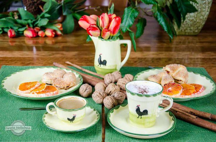 Jaką kawę preferujecie do śniadania? Mała czarna czy duża z mlekiem?