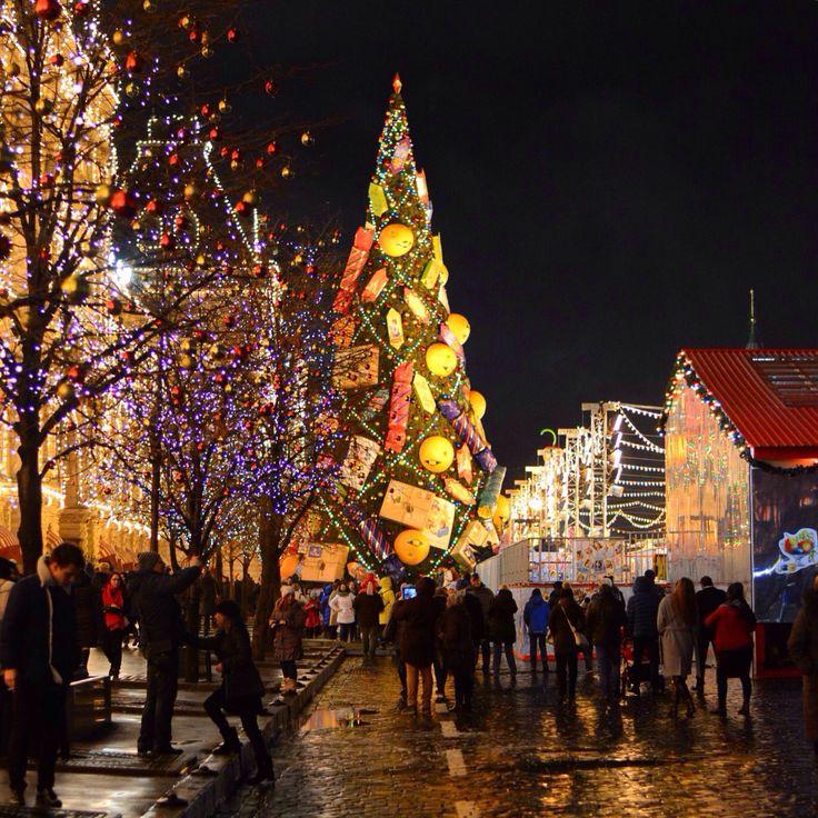 Москва, Ёлка у ГУМа, декабрь 2015.