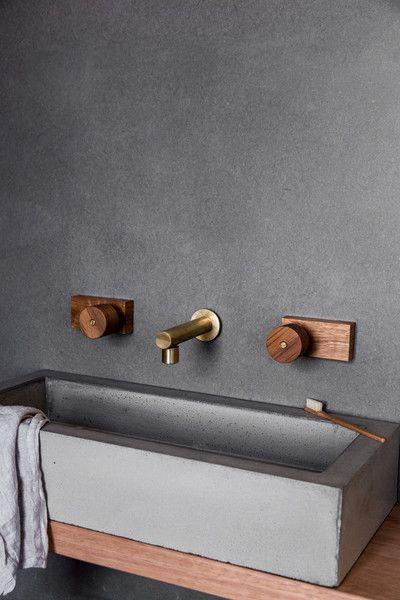 Oscar round timber taps