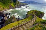 http://www.traveladvisortips.com/top-10-new-zealand-tourist-attractions-you-shouldnt-miss/ -Top 10 New Zealand Tourist Attractions You Shouldn't Miss