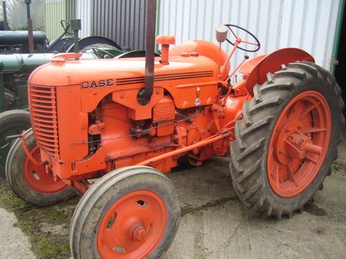 Auction Lot 418  (1943 CASE Model DC 4cylinder petrol/paraffin TRACTOR on 11-3..) Image 1
