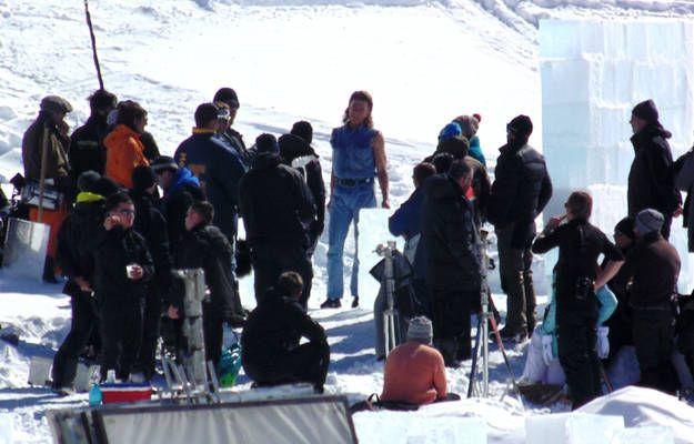 Actorul Jean-Claude Van Damme a făcut senzaţie la Bâlea Lac! În cămaşă fără mâneci, la -6 grade Celsius! | Libertatea.ro