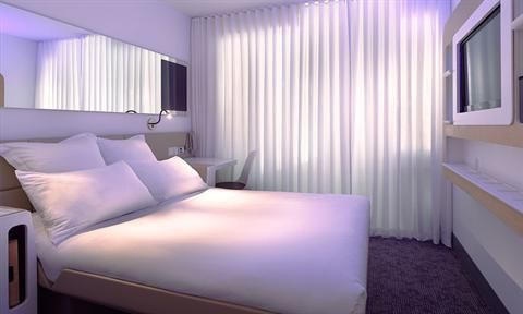 Opened in 2011, the YOTEL New York at Times Square West is situated in Manhattan. The YOTEL New York at Times Square West has an express ...