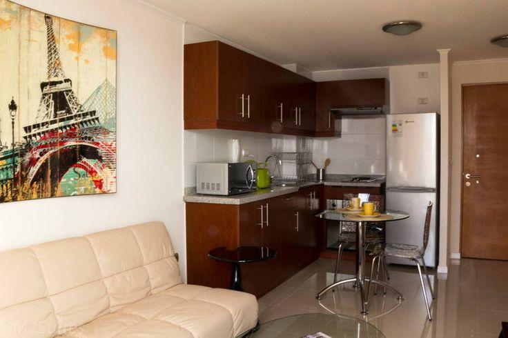 Departamento en Santiago, Chile. Los apartamentos  están totalmente amoblados y cuentan con zona de estar, baño privado, TV por cable, Internet, calefacción y cocina completa. También disponen de balcón con vistas a la ciudad.  Se proporciona ropa de cama, utensilios de Cocina.