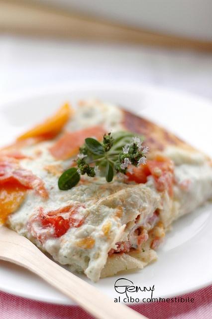 Lasagne di pane carasau con pomodori rossi e gialli e ricotta alle erbe e pecorino / carasau bread lasagna with red and yellow tomatoes and ricotta cheese with herbs and pecorino cheese