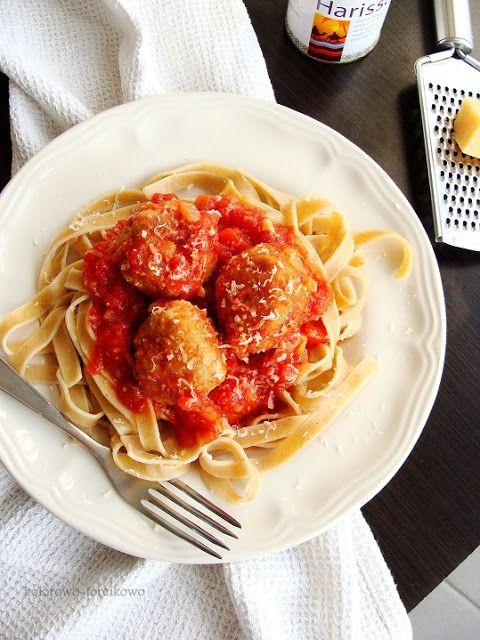pulpety z sosem paprykowo pomidorowym