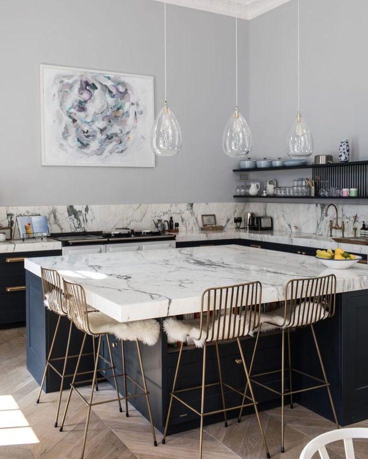 """148 gilla-markeringar, 2 kommentarer - Ekenstam Mäkleri (@ekenstam_makleri) på Instagram: """"Köksö i marmor modell större ✨ Så smart med förvaring under också #ekenstaminspo"""""""