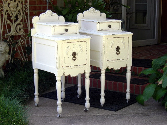 Best 25 Shabby Chic Bedside Tables Ideas On Pinterest