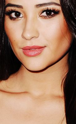 Shay Mitchell - makeup breakdown by artist CarleneK