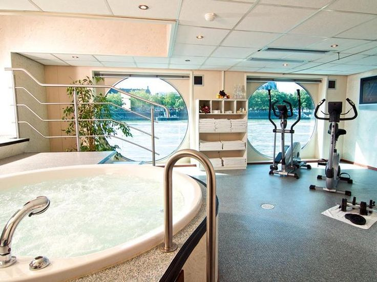 Fitnessroom plus Jacuzzi aboard the luxurious river cruiser the MPS Verdi