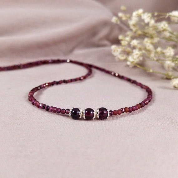 Gentle necklace with pink garnet