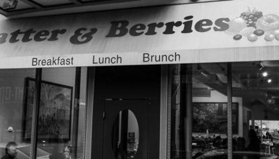 """Starex Smith, aka """"The Hungry Black Man,"""" toured many great Black-owned Chicago eateries with his team from Miami. My favorite brunch spot in all of Chicago, the incomparable Batter and Berries, is…"""