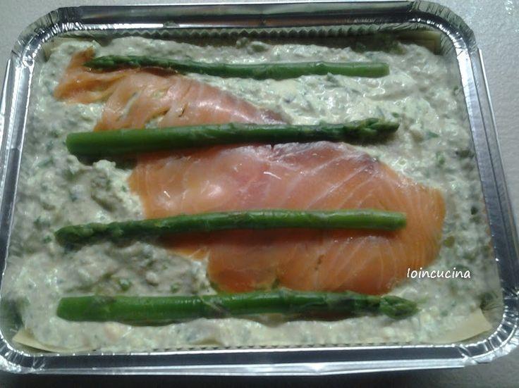 Lasagne salmone e asparagi, un primo piatto goloso facile e veloce da fare.