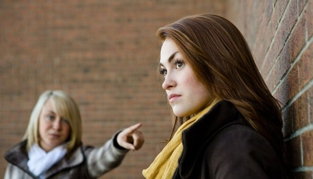 5 Ways to Deal With People Who Have Hurt You - The Praying Woman