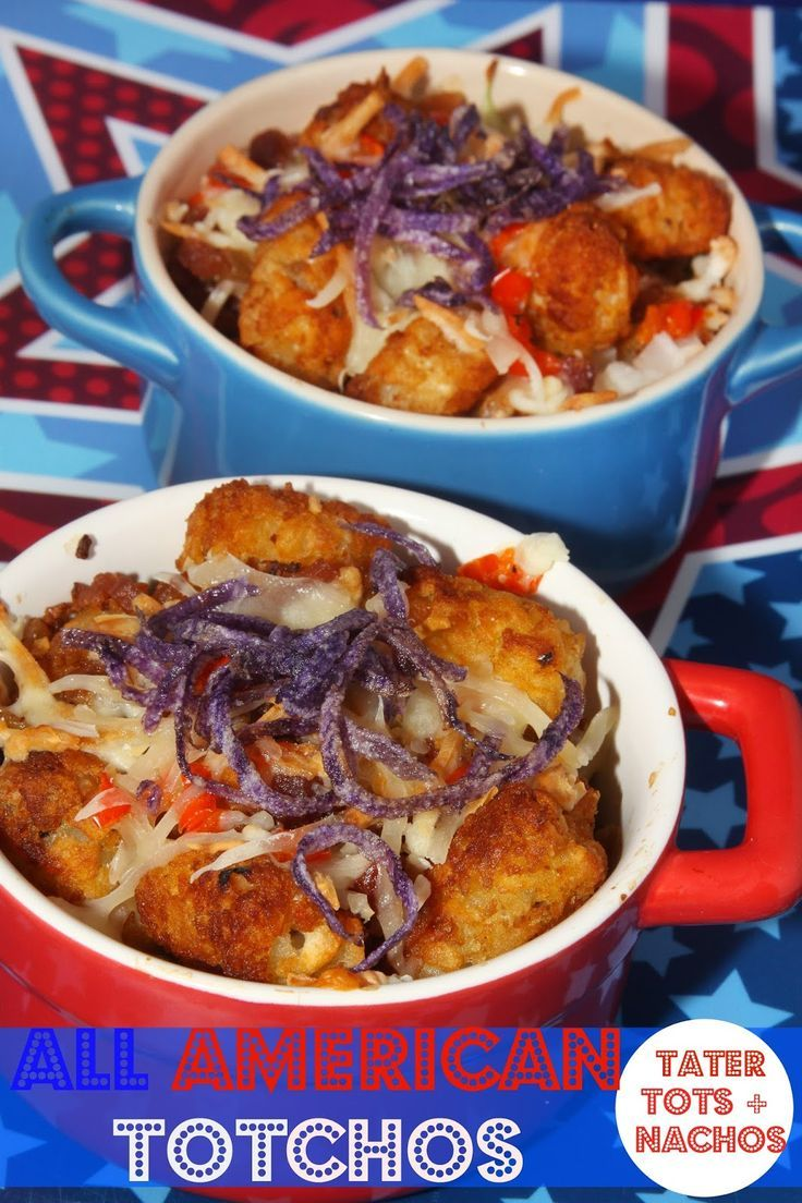 All American Totchos {Tater Tots + Nachos} - a patriotic twist on a delicious appetizer!