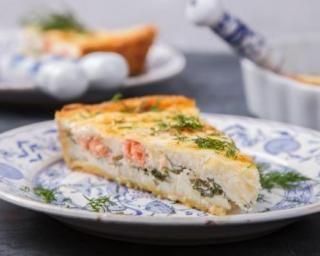 Quiche au saumon et aux épinards de maman : http://www.fourchette-et-bikini.fr/recettes/recettes-minceur/quiche-au-saumon-et-aux-epinards-de-maman.html