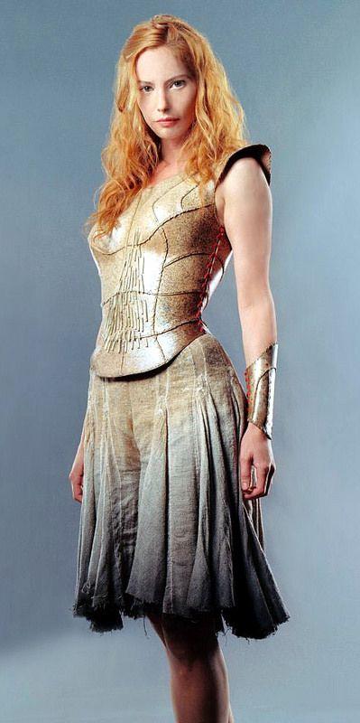 """Sienna Guillory - """"Eragon"""" (2006) - Costume designers : Kym Barrett & Carlo Poggioli"""