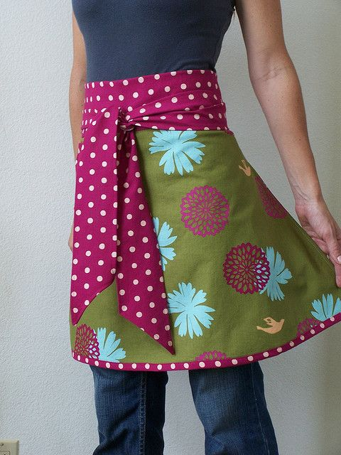 Flower half apron...this is exactly what I have been looking for.  Now who is going to make it for me???