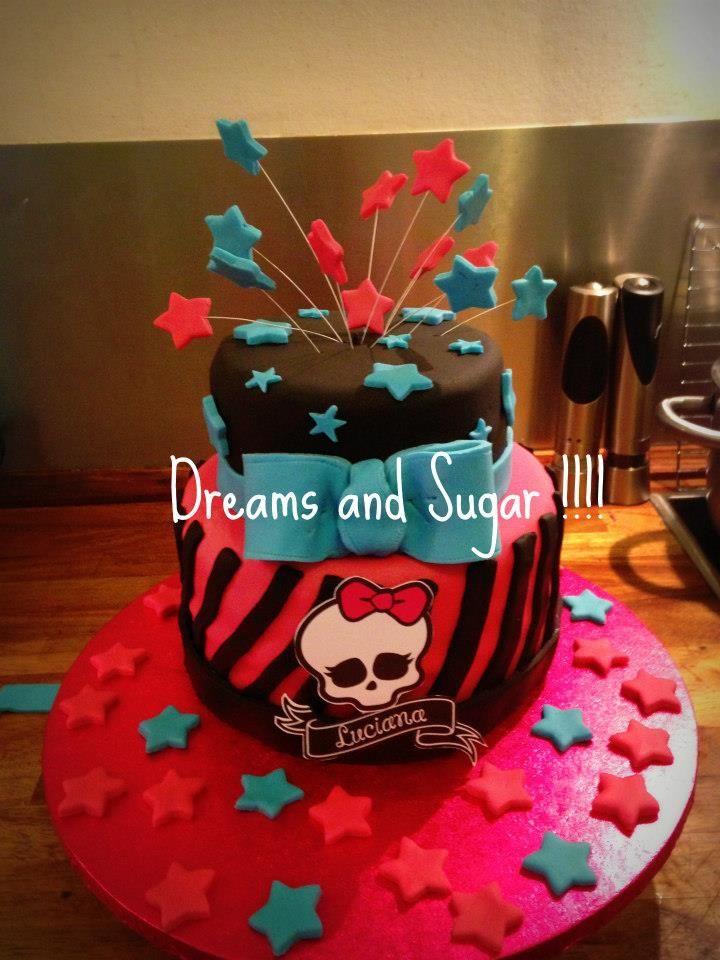 monster high cake !