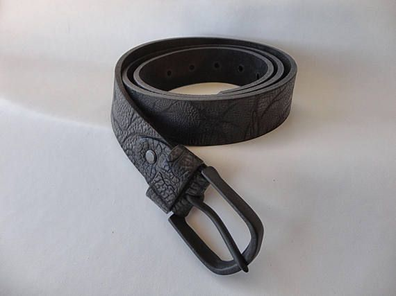 Check out this item in my Etsy shop https://www.etsy.com/pt/listing/522915685/men-handmade-genuine-leather-black-belt