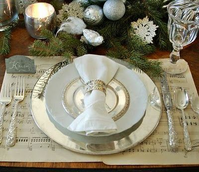Classic Chic Home: 12 Easy and Elegant Christmas Table Settings