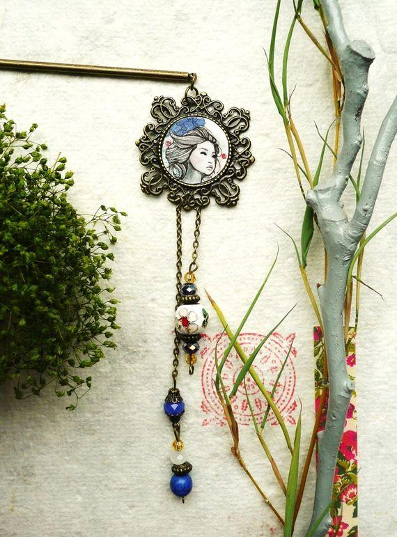 Pic à cheveux Geisha tons bleus.