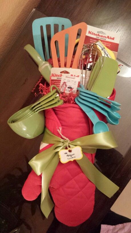 Kitchen Bridal Shower Gift Ideas : Pin by Holly Rivera on Holiday/party ideas Pinterest