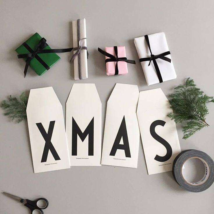 Ingredients for an easy Christmas decoration for advent. Gifts in our AJ Vintage ABC personal greeting cards.