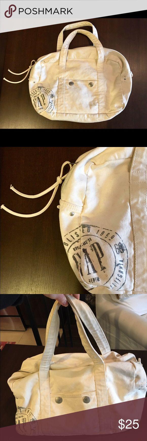 GAP Weekender Bag GAP Weekender bag. Over the shoulder, off white. Great for a weekend getaway! GAP Bags Totes