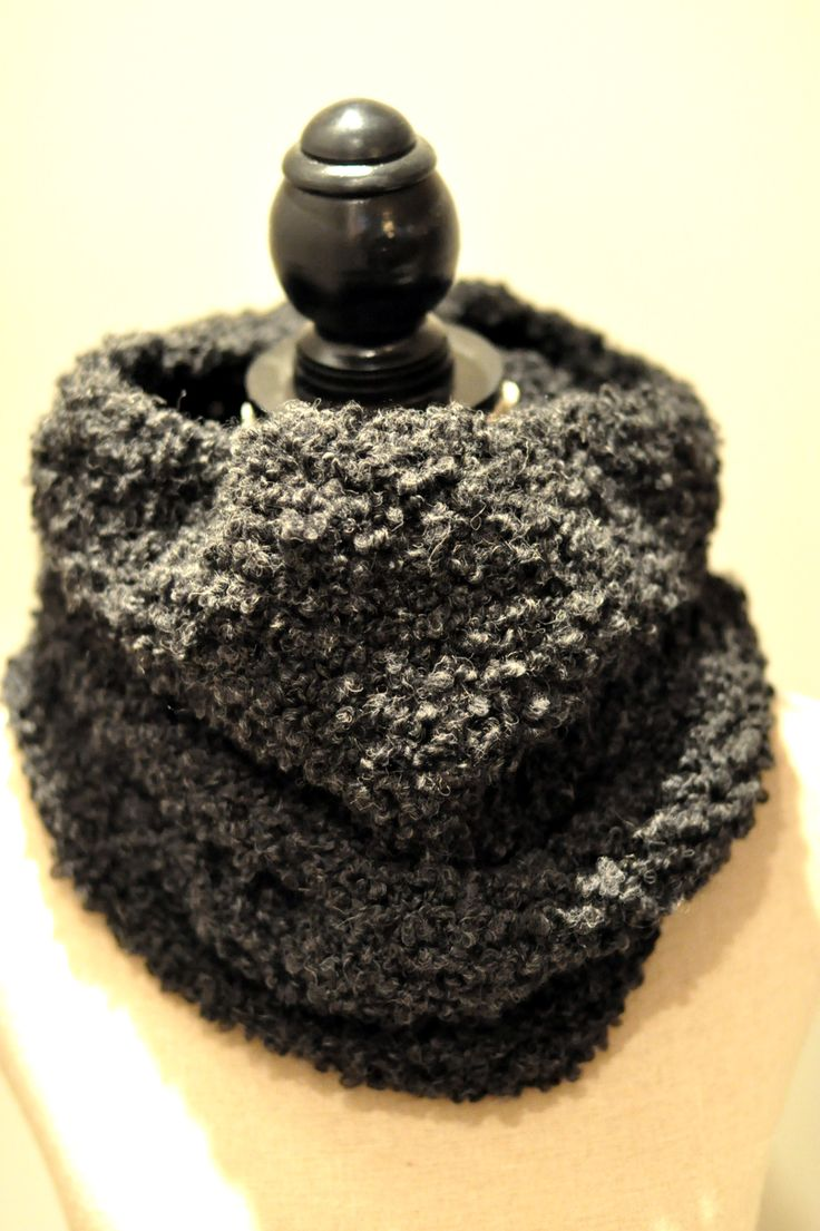 Mormorrut's teddy tube. Hand knitted tubescarf. Pattern at www.mormorrut.nu.