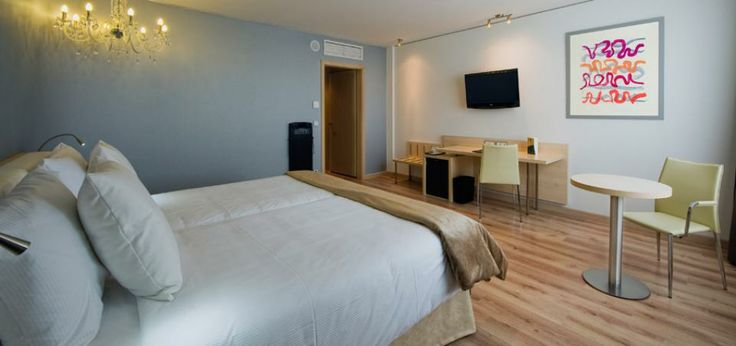 http://www.thinkhotels.com/Germany/hotel-Abba-Berlin-Hotel-6091.htm