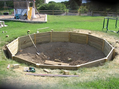 building instructions for in-ground trampoline (or maybe an in-ground above ground pool) = COOL!