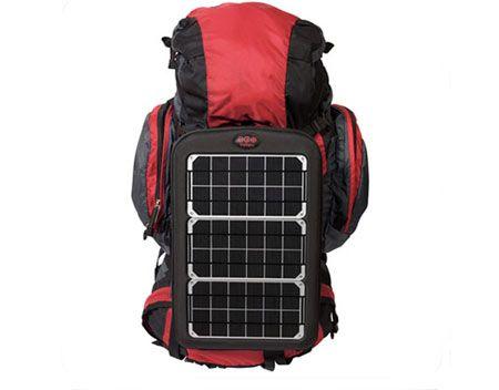 Eco gadget, un caricabatterie solare portatile come compagno di viaggio