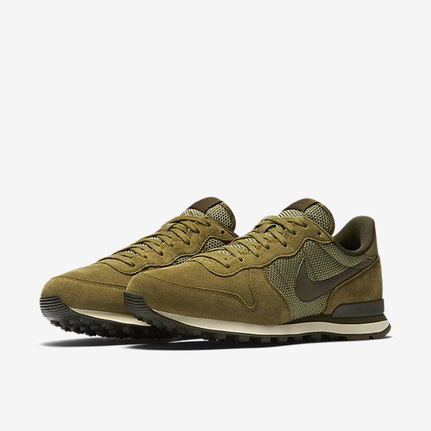 online retailer 426c6 4ea13 Pin by Daniel Gómez on Man Style   Nike, Nike shoes, Shoes