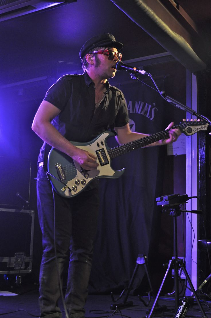 Gaz Coombes from Supergrass live at The Boileroom