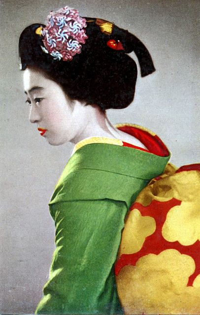 Maiko Girl 1950s    A Maiko displaying the Sakko hairstyle worn in the month before the Maiko becomes a Geiko.