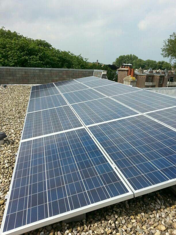Den Haag, triple zonneschans 5x valk solar met micro omvormers enphase