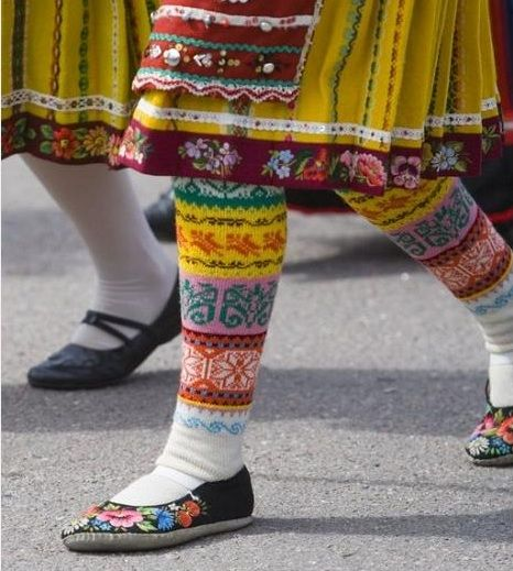 textile traditions of the women of Muhu  -Estonia