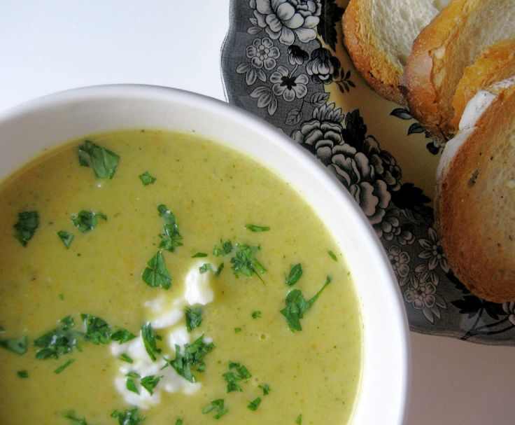 Recipe Zucchini and basil soup by Nico Moretti - Recipe of category Soups