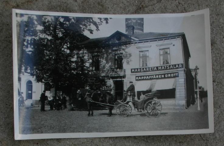 Margareta matsalar restaurang i början på seklet. Min mormor hade restaurangen från kriget och några decenium framåt. Numera huserar Krögers i lokalen.