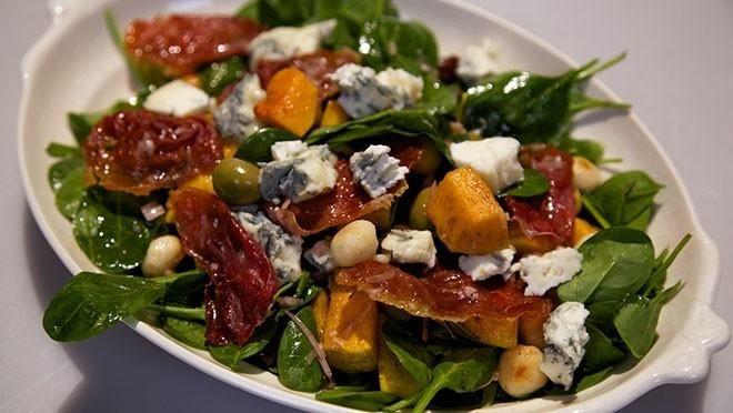 Aan te passen naar gezonde salade