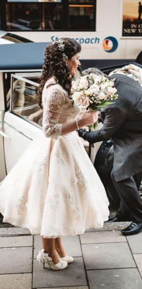 Nichola & Tim - Oxford Town Hall Wedding   Real Weddings   www.guidesforbrides.co.uk