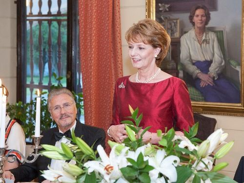 Noblesse Royautés: Crown Princess Margareta and Prince Radu hosted an official dinner at Elisabeth Palace, Bucharest, May 23, 2014. Behind Margareta is a picture of her mother Queen Anne.